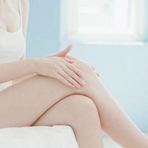 Skuteczna. bezbolesna depilacja laserowa kolan